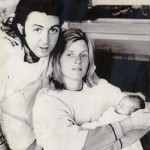 Paul McCartney with Linda and daughter Stella 1971